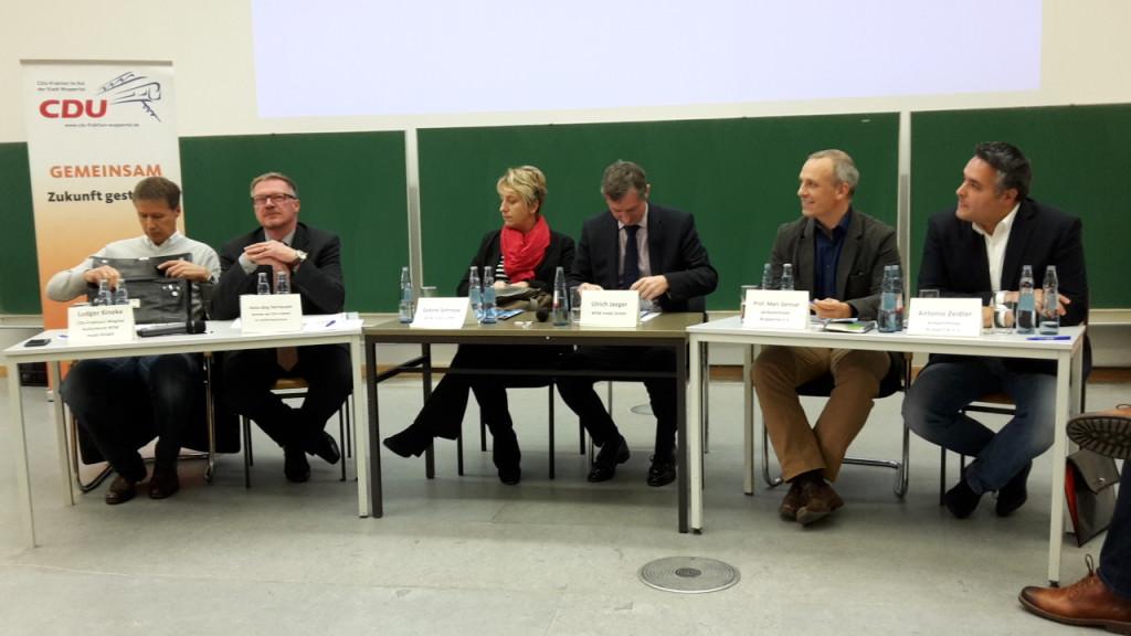 Eigene Aufnahme der Diskussionsrunde der öffentlichen CDU-Fraktionssitzung