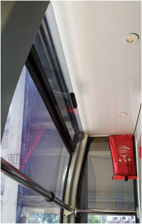 Fenster in der Rittner Seilbahn in Bozen