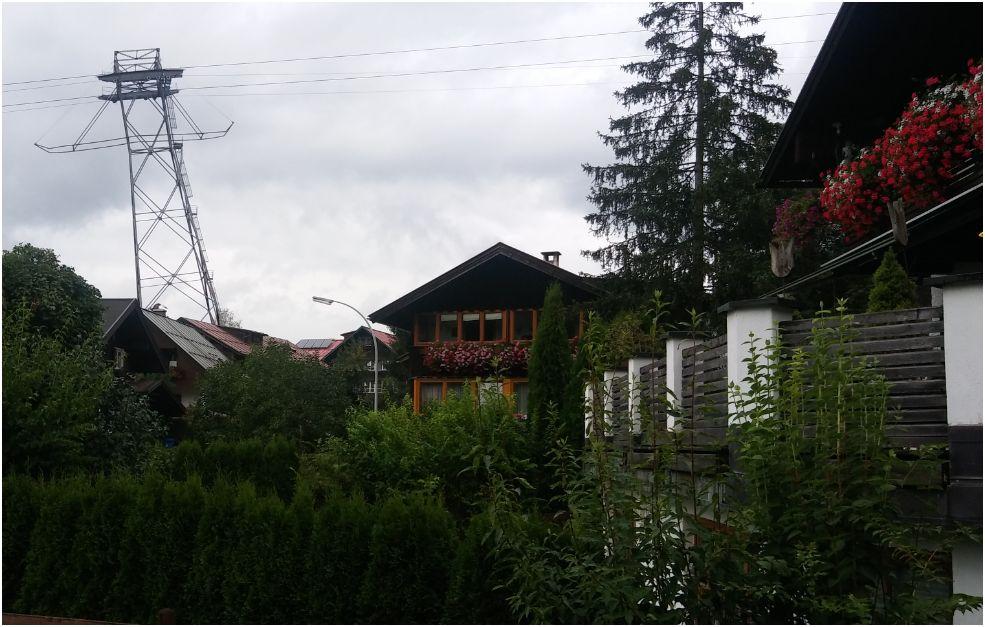 Erste Stütze der Nebelhornbahn im Stadtgebiet von Oberstdorf (eigenes Bild)